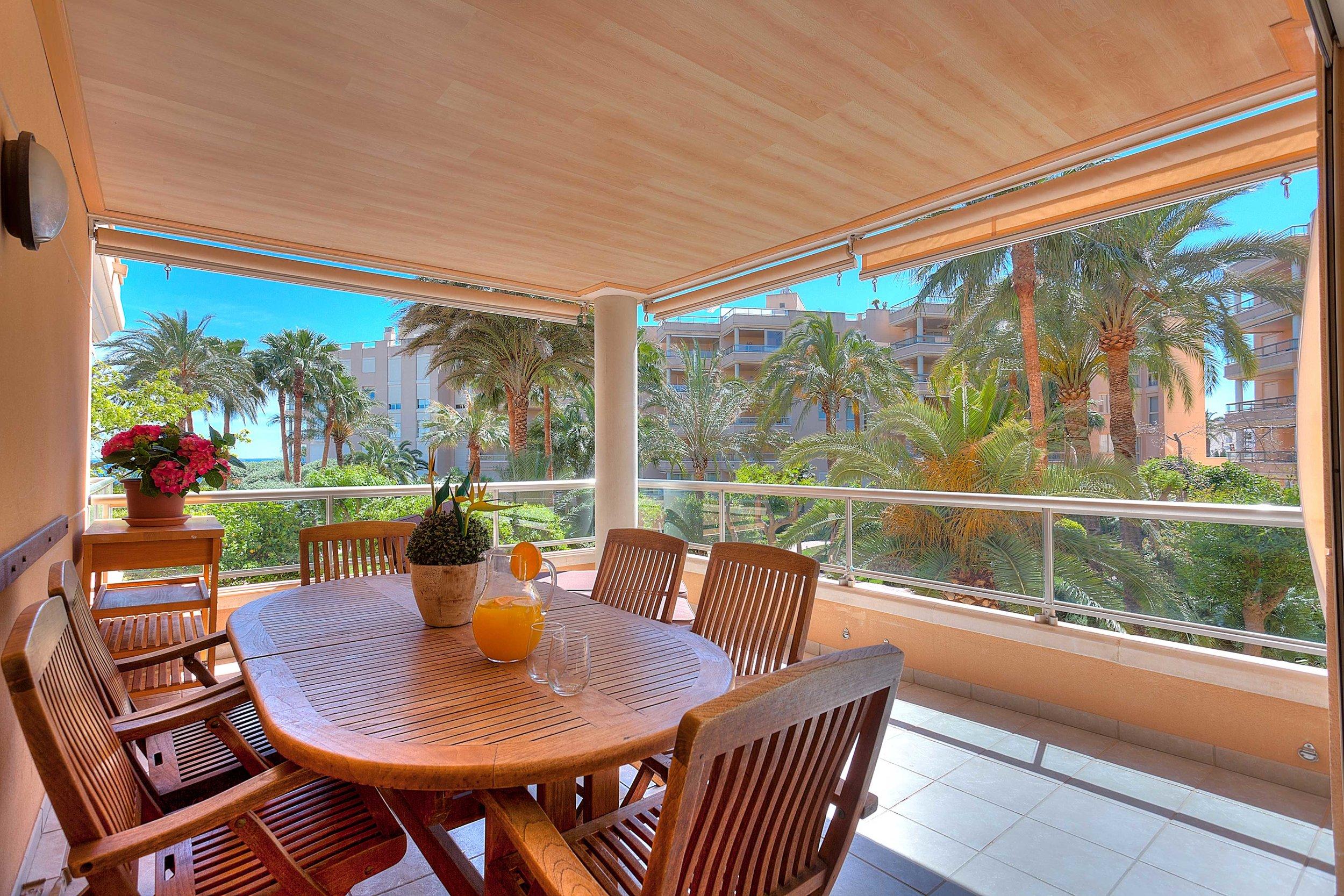 Bossa Beach 4-PB-1 - 4 bedroom, 2 bathroom Playa d'en Bossa apartment with partial sea views