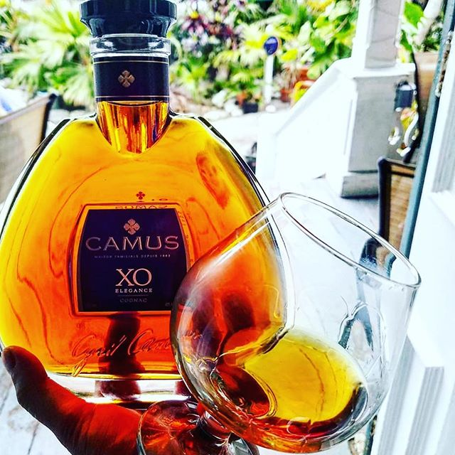 Sipping in style on this National Cognac Day. 🥃 CAMUS|1863 📷 credit: @timrabior #camuscognac #nationalcognacday #howdoyoucamus