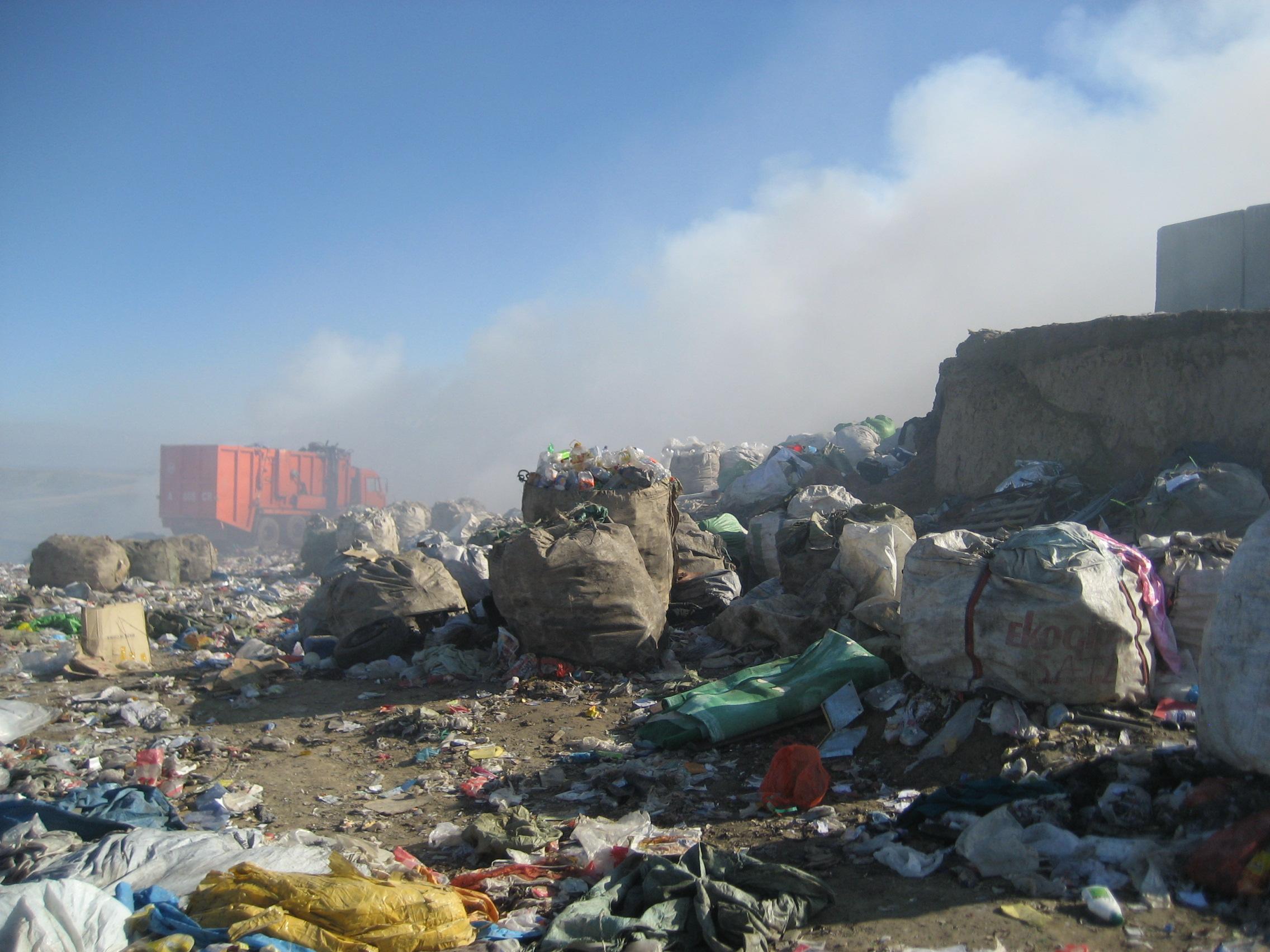 almaty kaskalen landfill 2.jpg