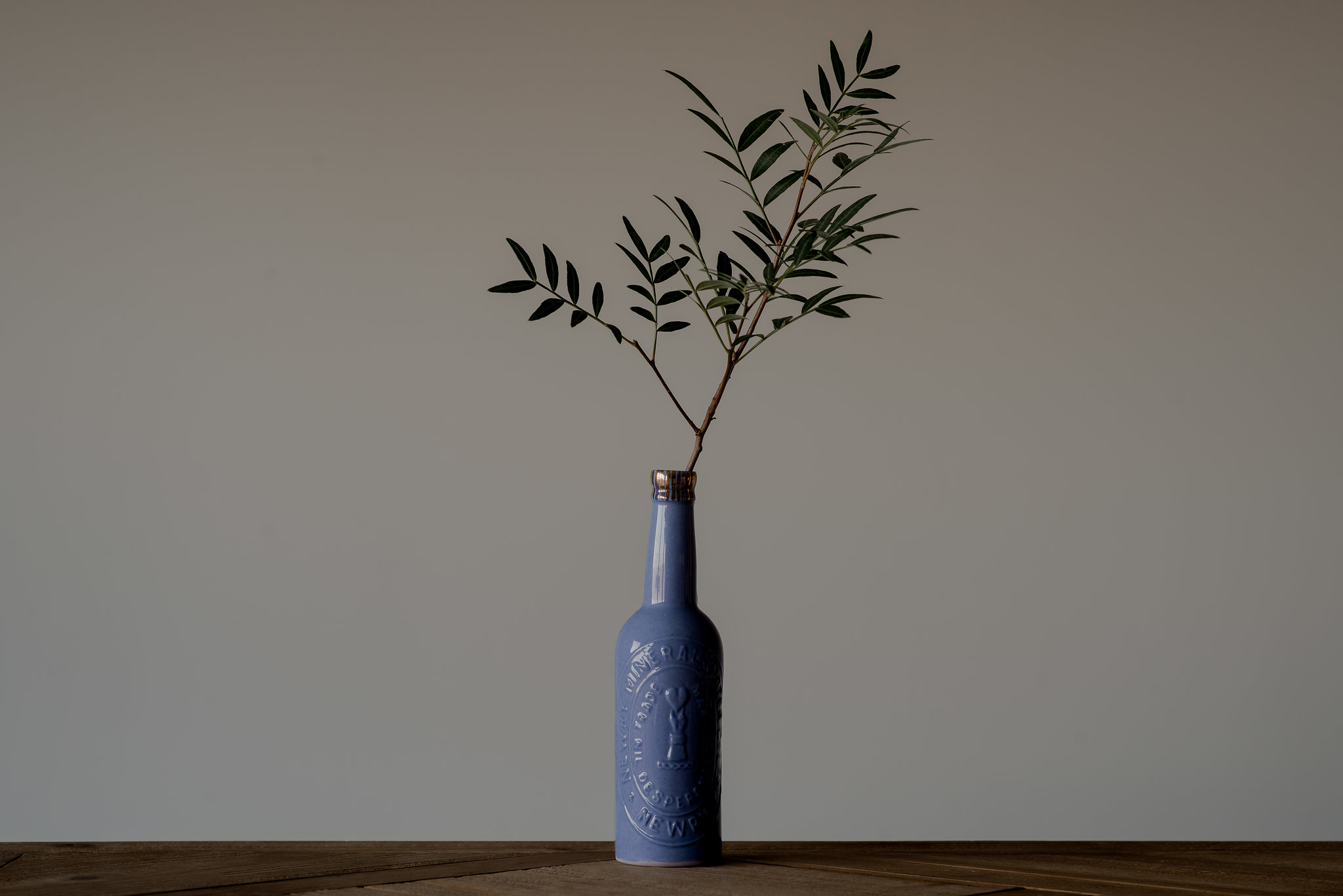 Wondering how to style the Homegrown collection? Single stem minimalism, let the Newry bottle do the talking.