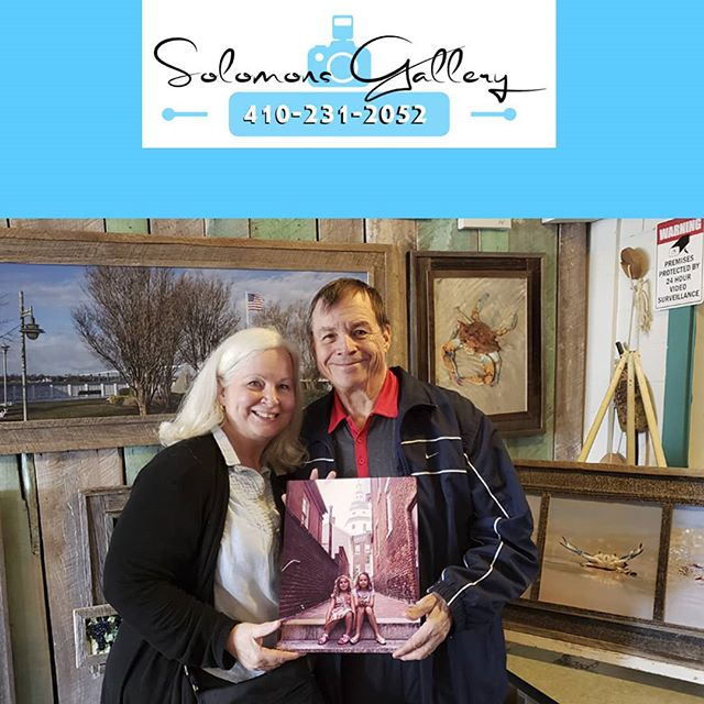"Our ""Print Of The Day"" is a wonderful picture of Bob and Jane Bounelis's grandchildren in beautiful historic Annapolis, Maryland. The image was taken with a cell phone and printed on metal. Do you have a special image on your cell phone? Bring it into Solomons Gallery and we will print it for you on either canvas or metal!  #SolomonsGallery #SolomonsIsland #Artwork #ModernArtwork #MarylandPhotography #MetalPrinting #Annapolis #Photographer #TerryQuinn #Somd #BarnWoodFraming #CanvasPinting #BobBounelis #JaneBounelis #SouthernMaryland #HistoricAnnapolis #Grandparents #Granchildren #SoMd #SoMdArtwork"