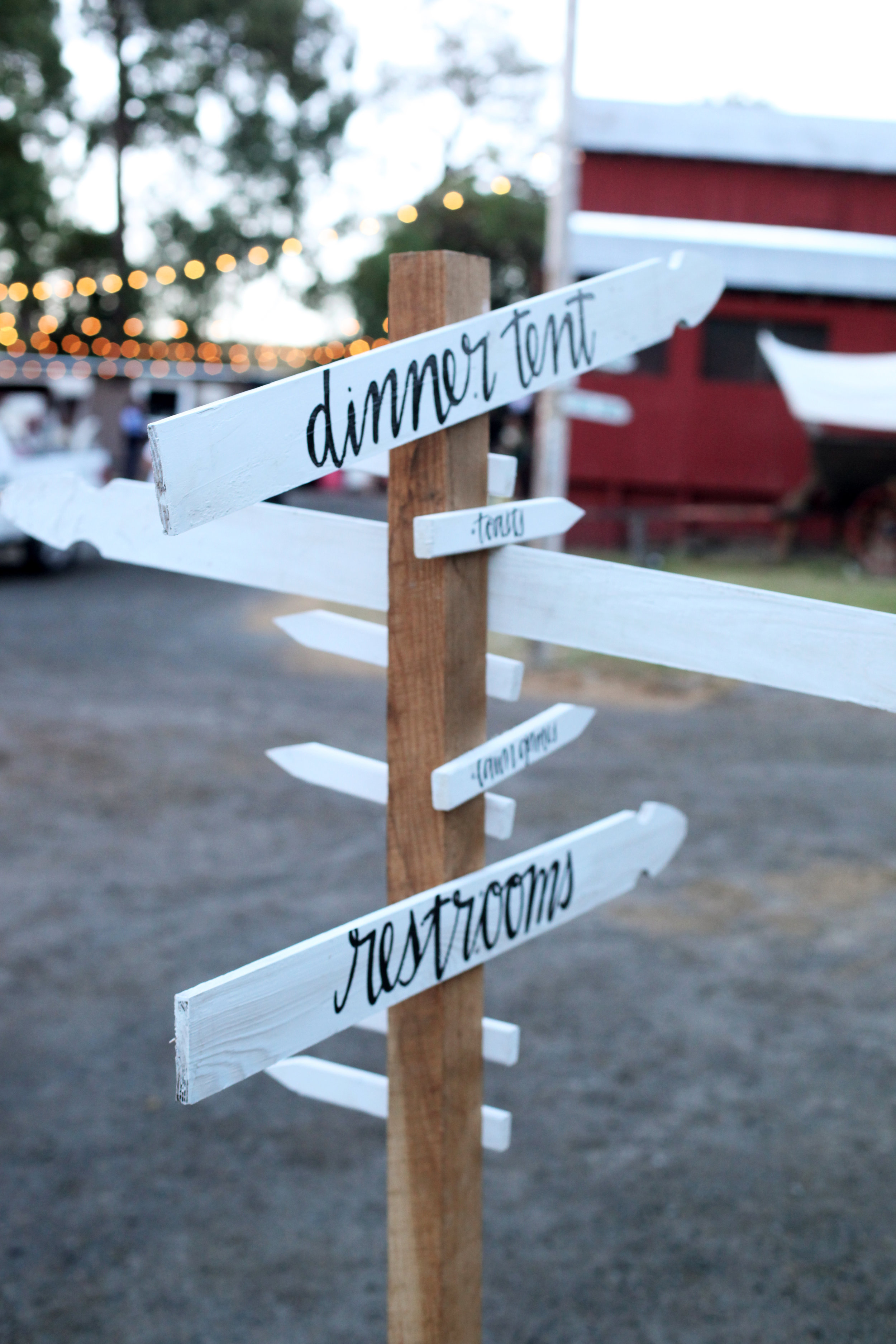 directional signage | hand-drawn lettering
