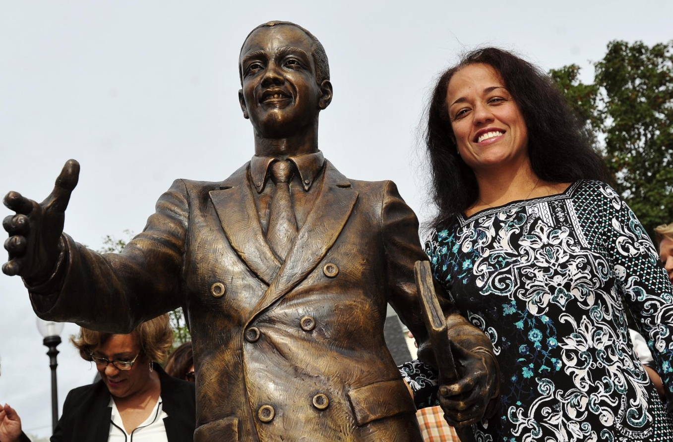 Cape Verdean community leader Tom Lopes honored with statue, park dedication -