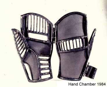 HandChamberOpen1980.png