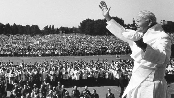 pope-john-paul-in-poland1 1983.jpg
