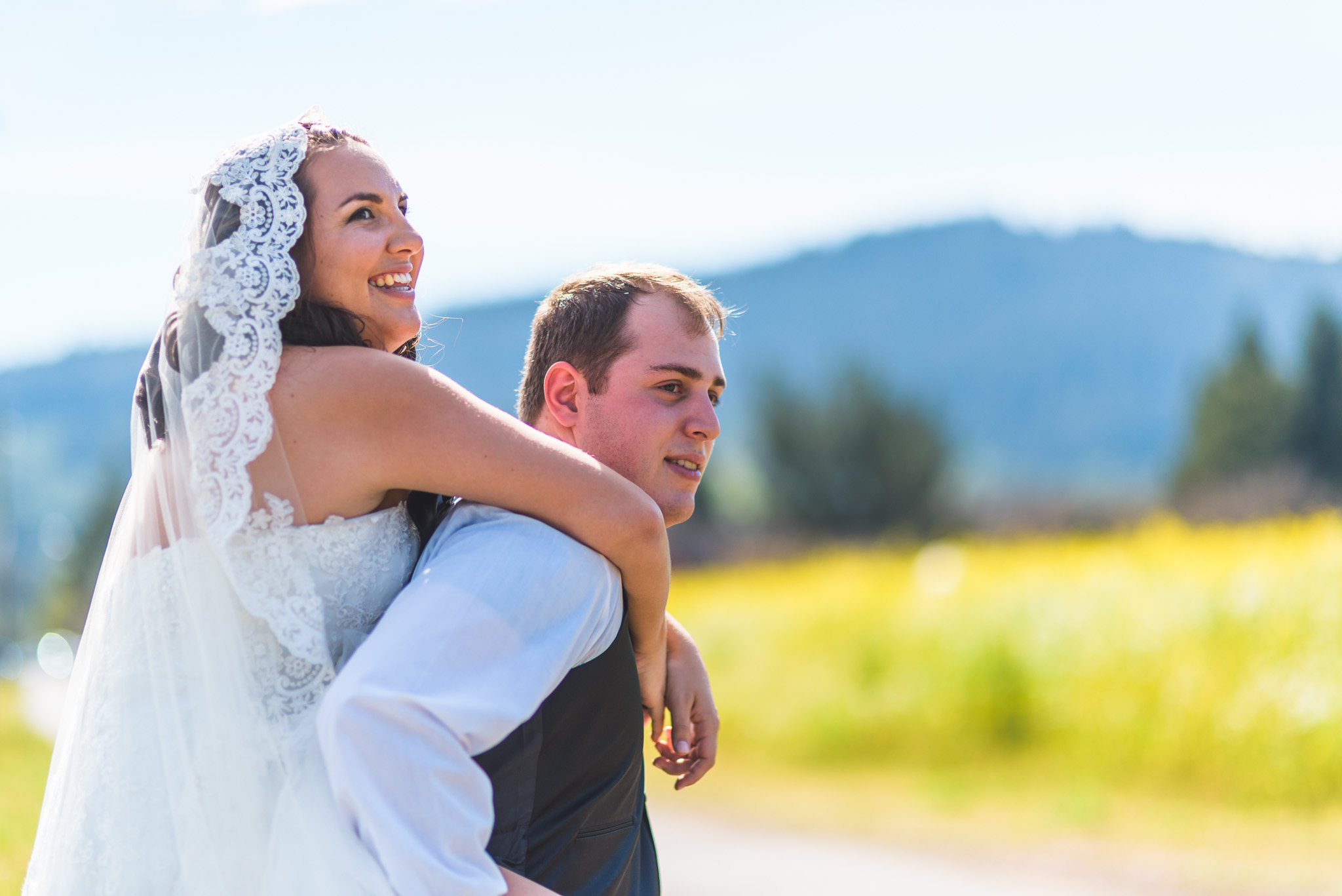 Sonoma_Backyard_Wedding-Chuck_Caroline-024.jpg
