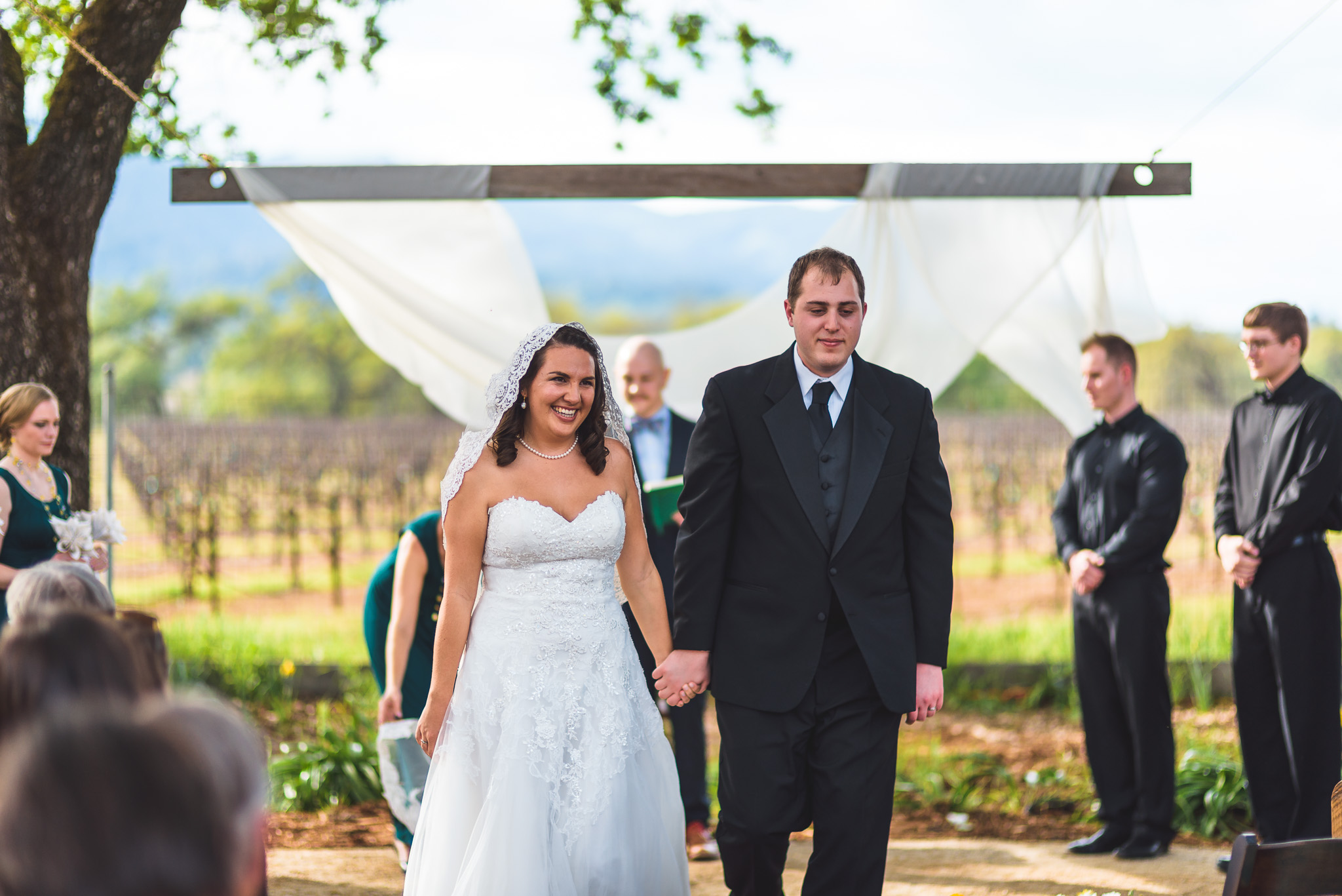 Sonoma_Backyard_Wedding-Chuck_Caroline-038.jpg