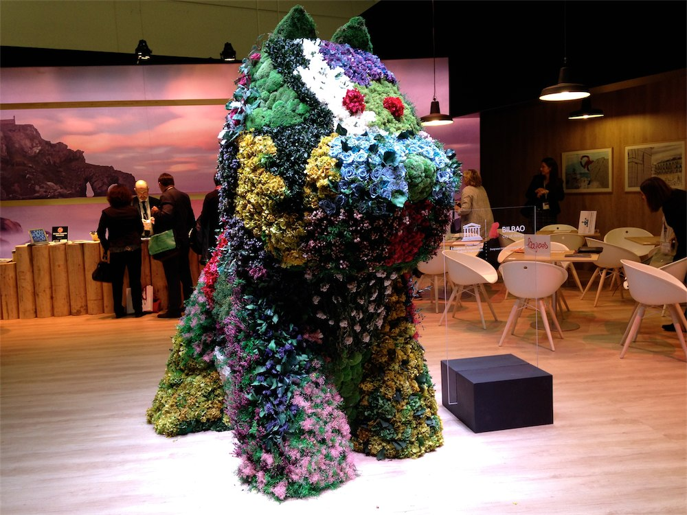 Flower Dog - Paint-in-Portugal.com, Cascais in ITB-2015 Berlin