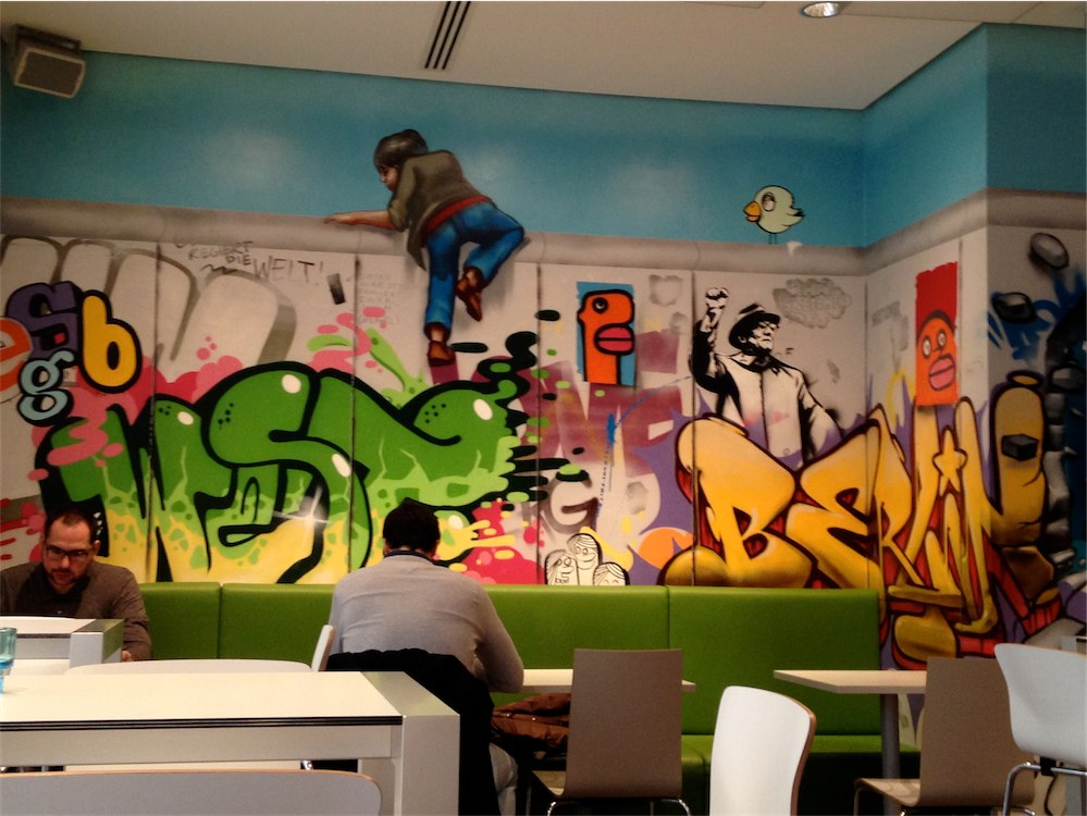 Hotel IBIS SYLES Mitte Berlin - Paint-in-Portugal.com, Cascais in ITB 2015 Berlin