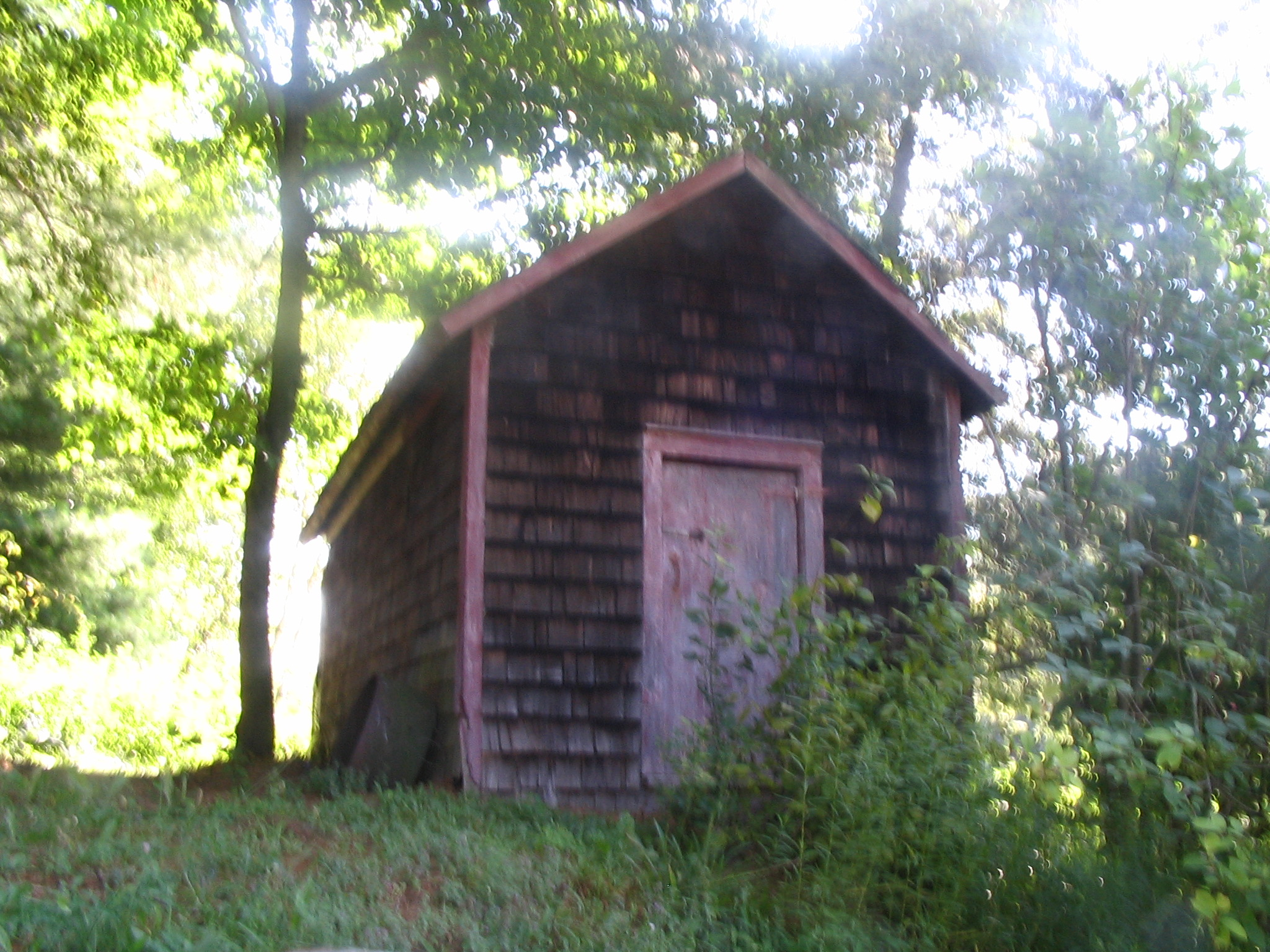 A photograph of the structure on the Beal/Freckelton property known as the Chicken House.