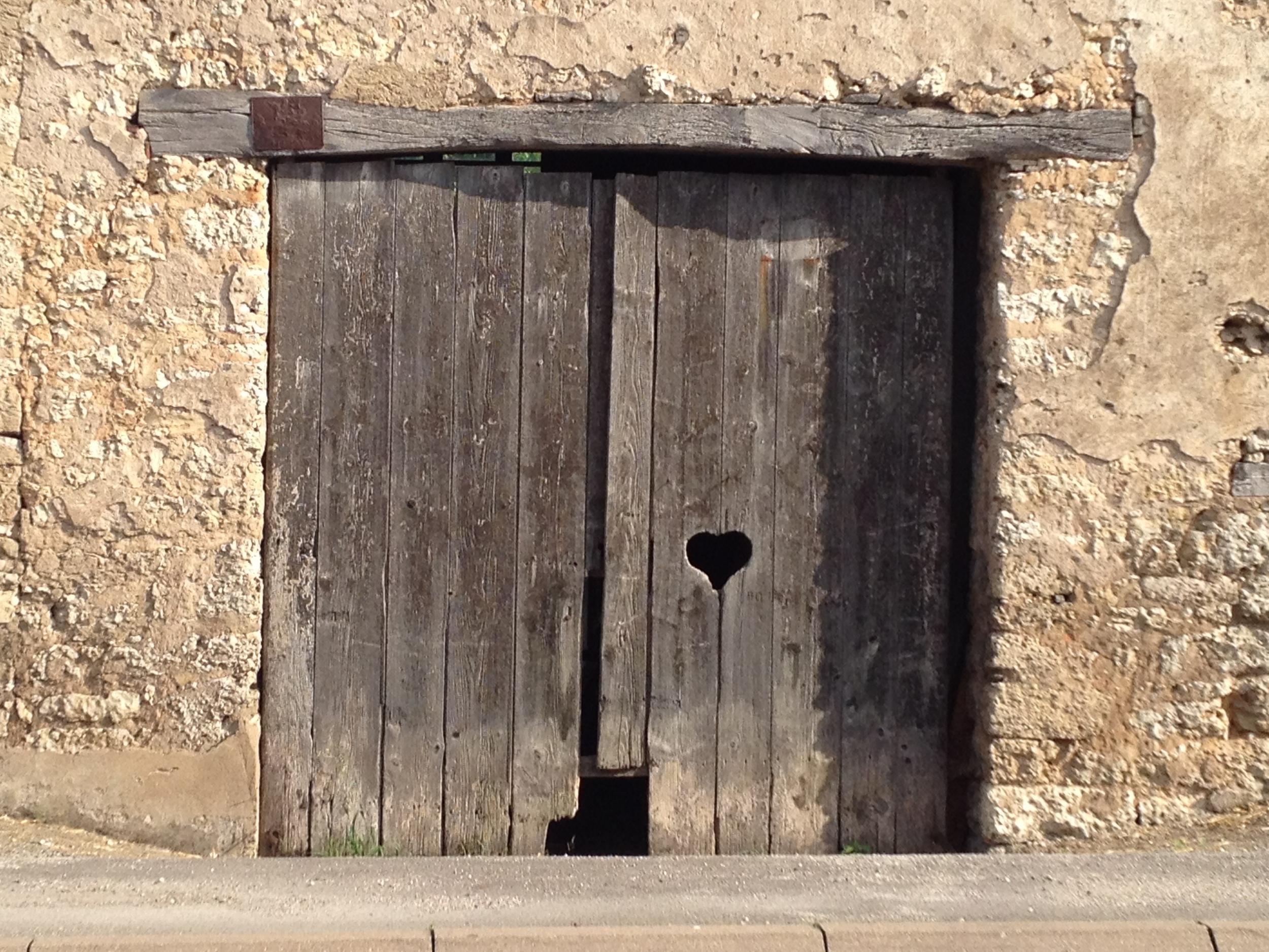 Grange door love Ancier France 2013.JPG