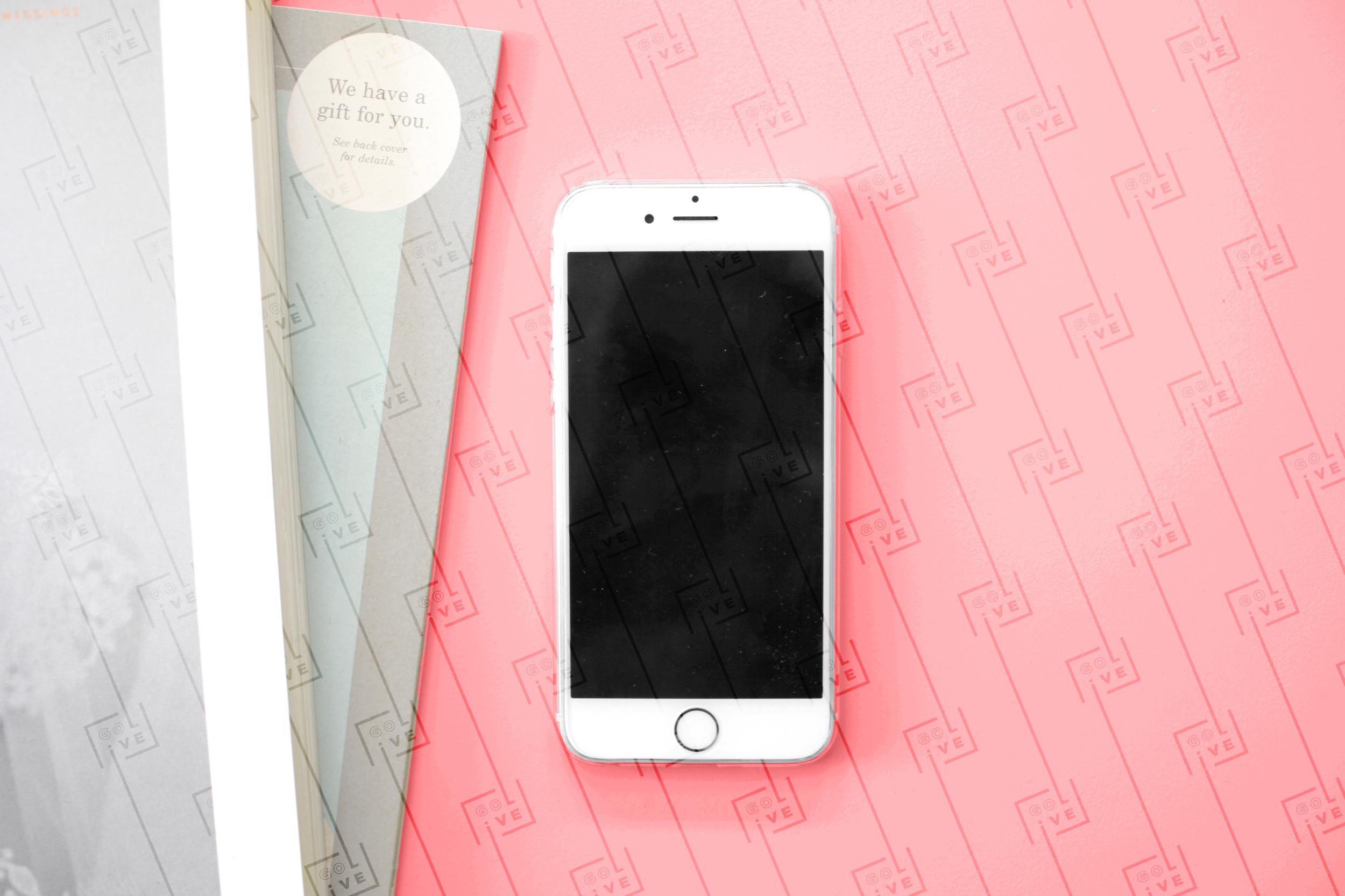 iphonemockup02.jpg