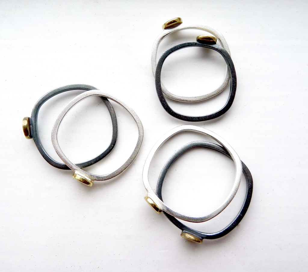 these rounded square bands are the perfect fit!