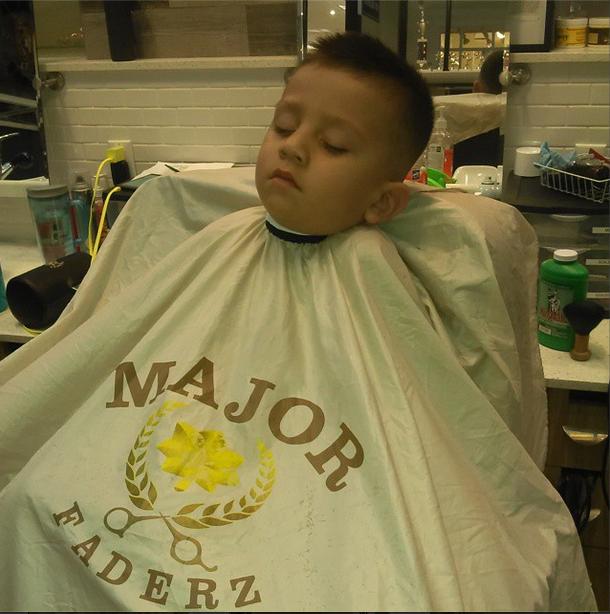 Barber: @Karizmakutz