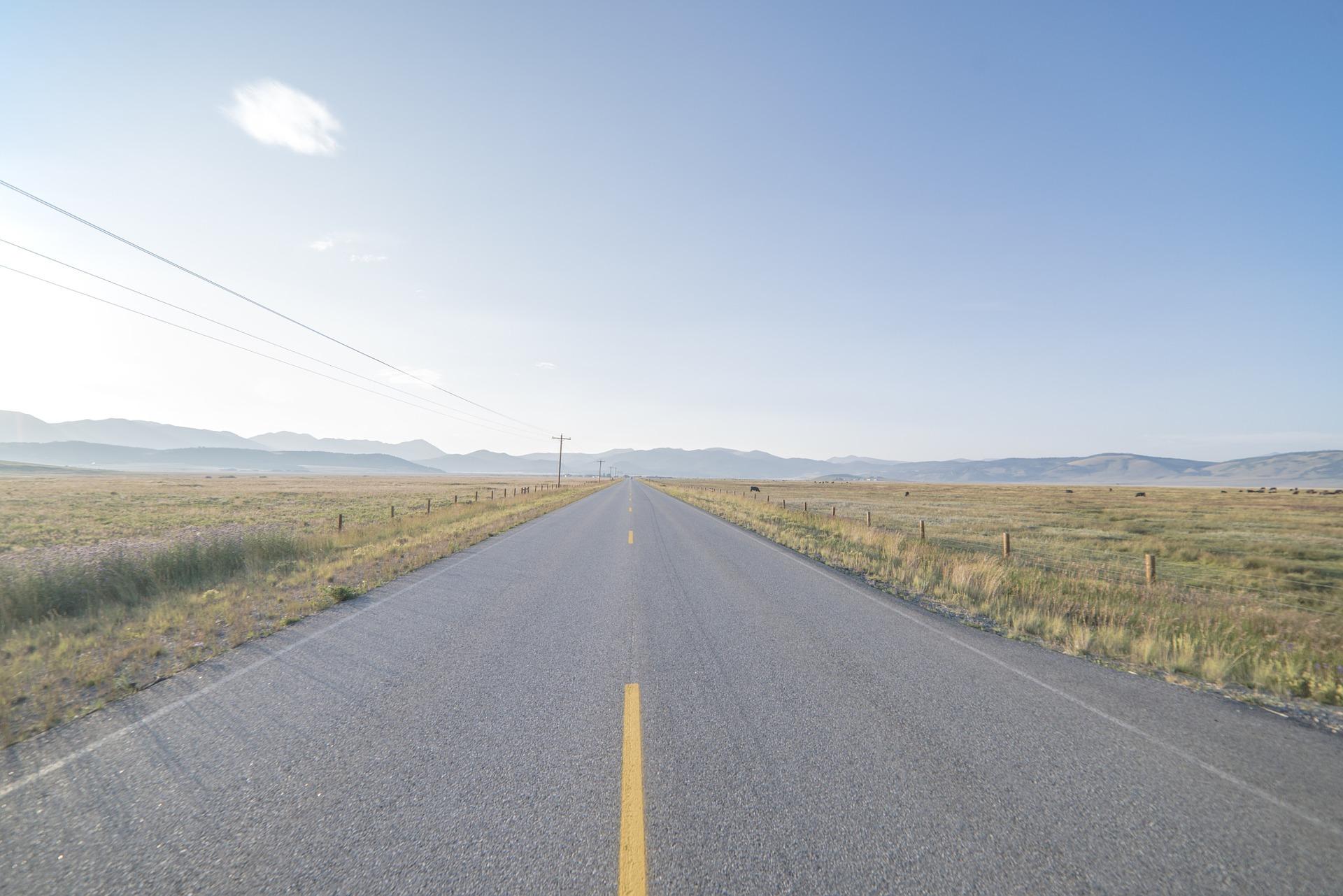 road-918435_1920.jpg