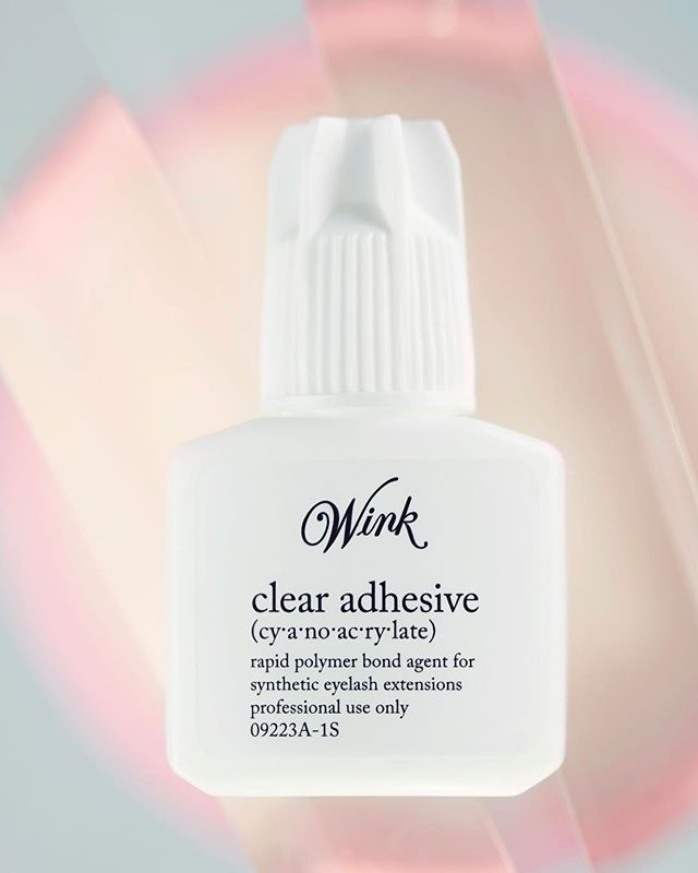 Have you worked with clear adhesive yet?! The Clear Adhesive is the newest addition to our collection and quickly becoming one of our top selling adhesives.  This formulation is comparable to our Volume Adhesive but without the added black color! - Tested from coast to coast this adhesive preforms best in almost any humidity range and can be used for both the classic and volume lash technique. - 💥Back in stock! 💥