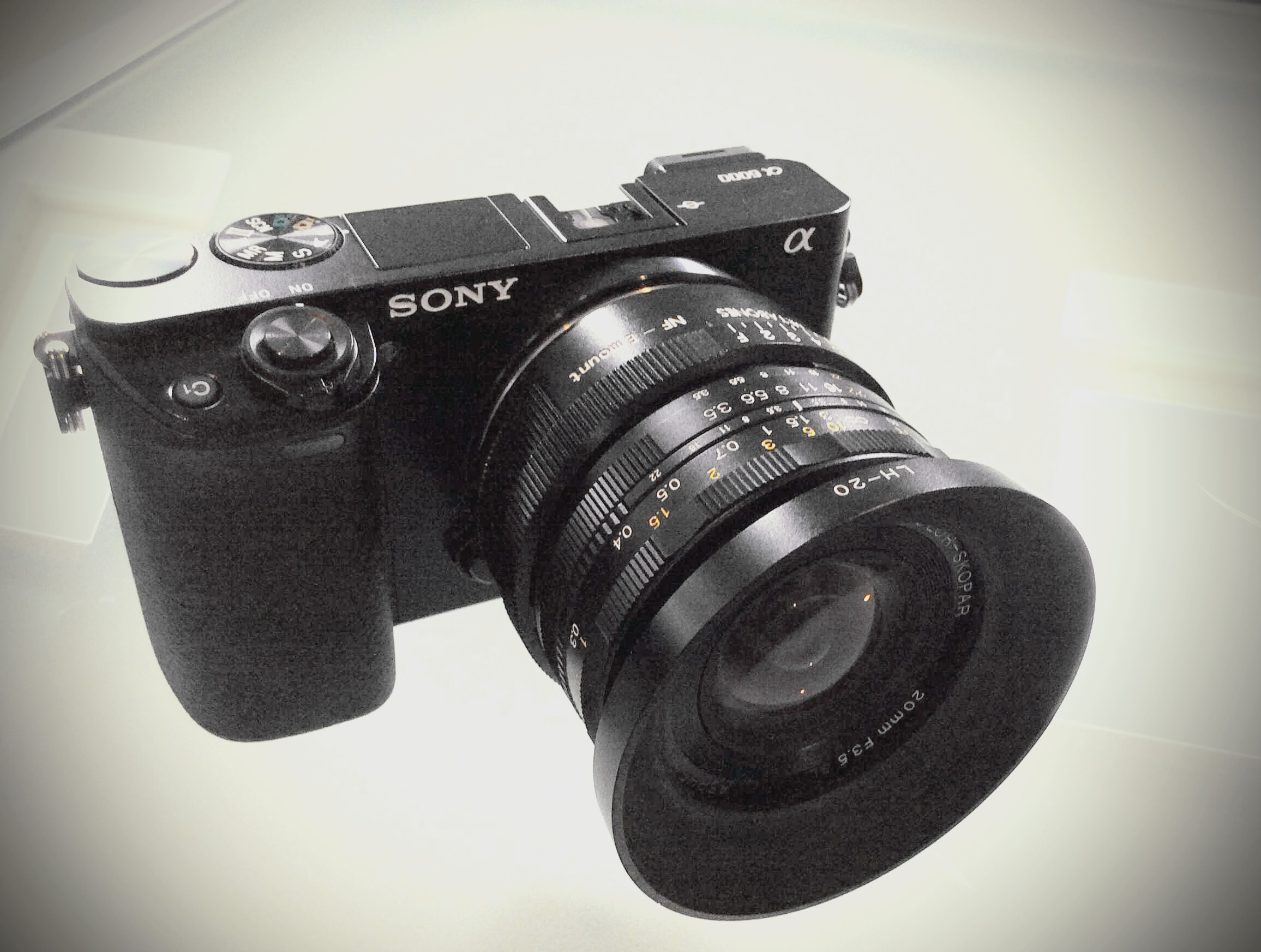 Sony a6000, Voigtländer 20mm f/3.5SL-II AsphericalAI-P (Nikon F-Mount), Kipon Nikon F > e-mount adapter