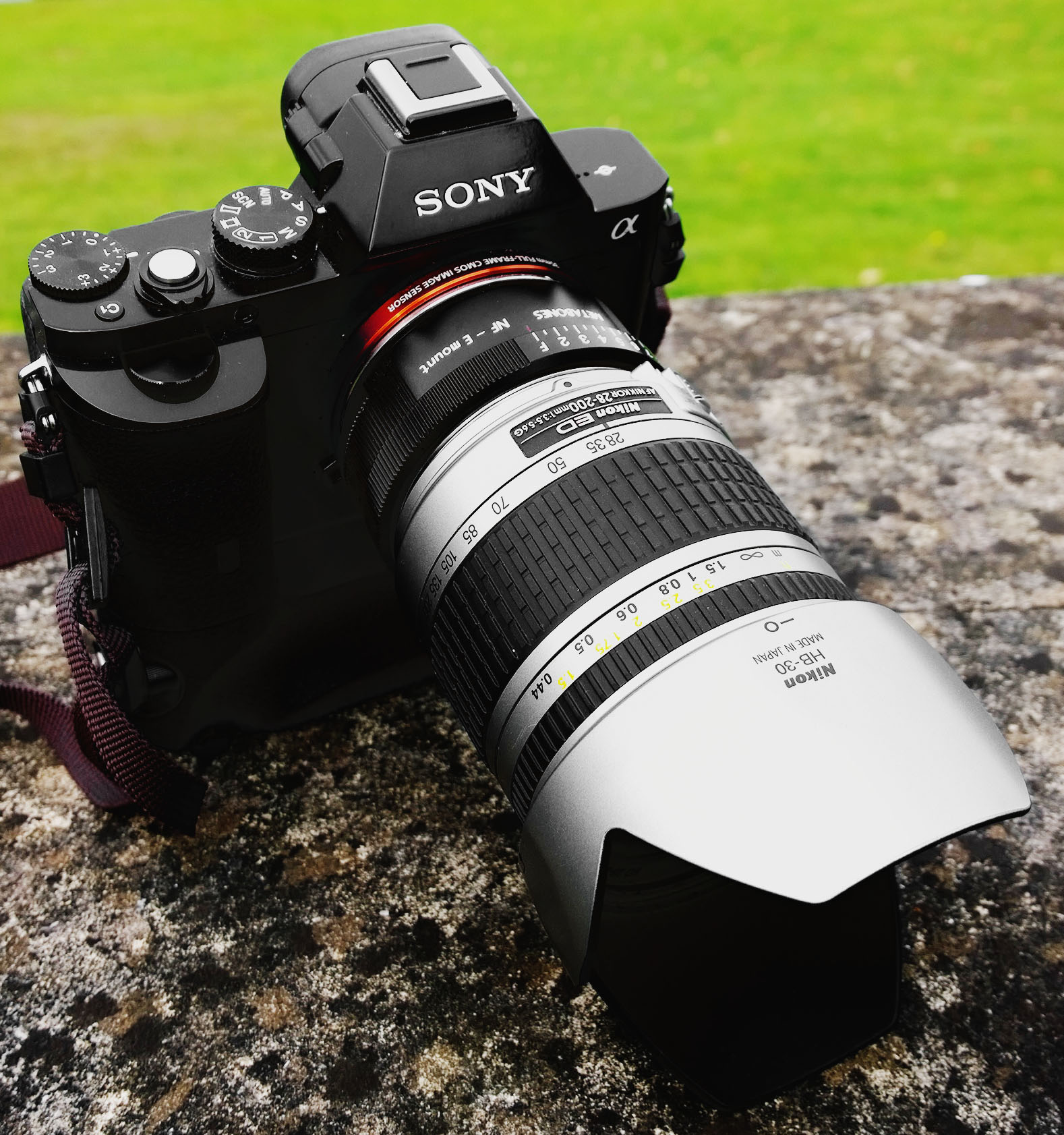 Sony A7r / A7s Nikon 28-200mm f/3.5-5.6 G Zoom Lens Metabones Nikon > Sony e-mount adapter