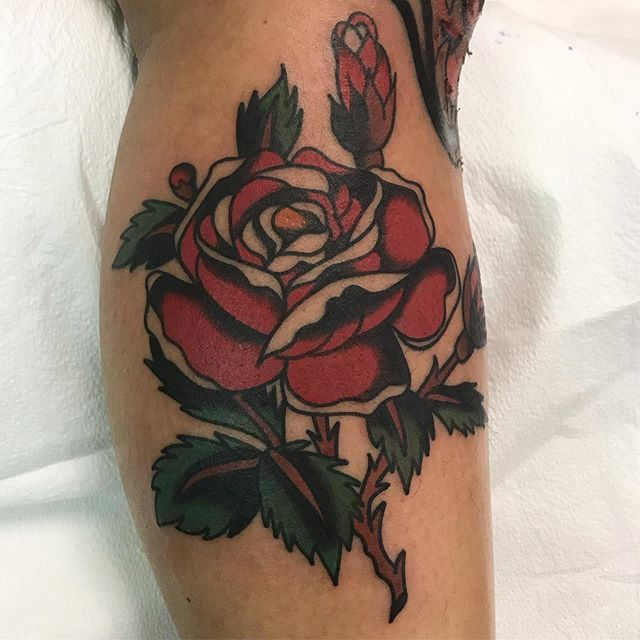Rose off my flash for Shay. I'll be working with my friend @angryeddie at his shop @powerhousetattoo the next few days Dm or Email for appointments. Thanks 🙏 . . . . #powerhousetattoo #brownbrotherstattoo #traditionaltattoo #traditionaltattoos #traditionaltattooart #skinart_mag #skinart_traditional #tattoos #chicagotattooartist #chicagotattooshops #chicagotattooers #flashdesign #oldlines #oldworkers #oldschooltattoo #tradworkerssubmission #topclasstattooing