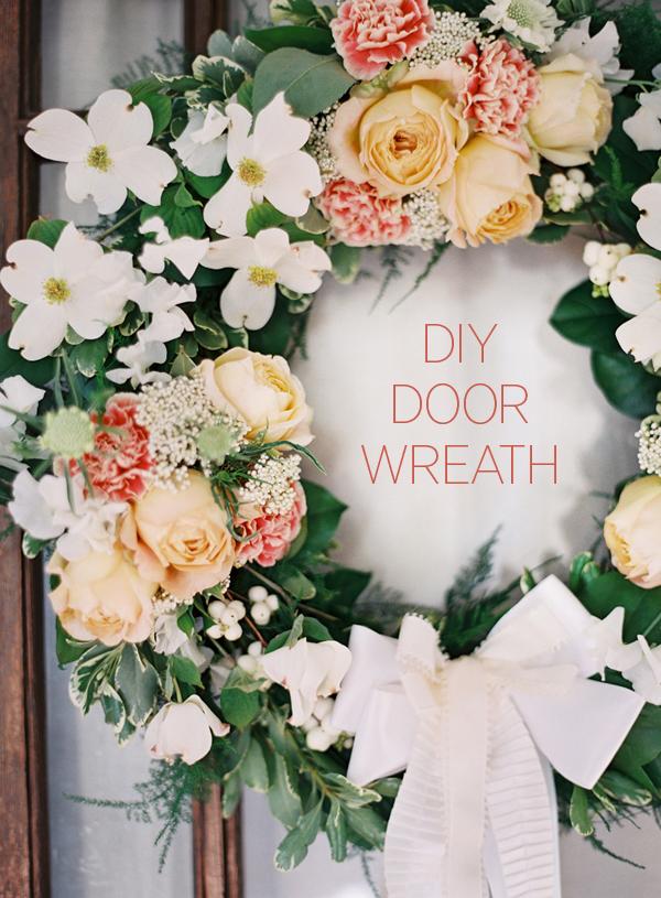 diy-wedding-outdoor-wreath-ideas.png