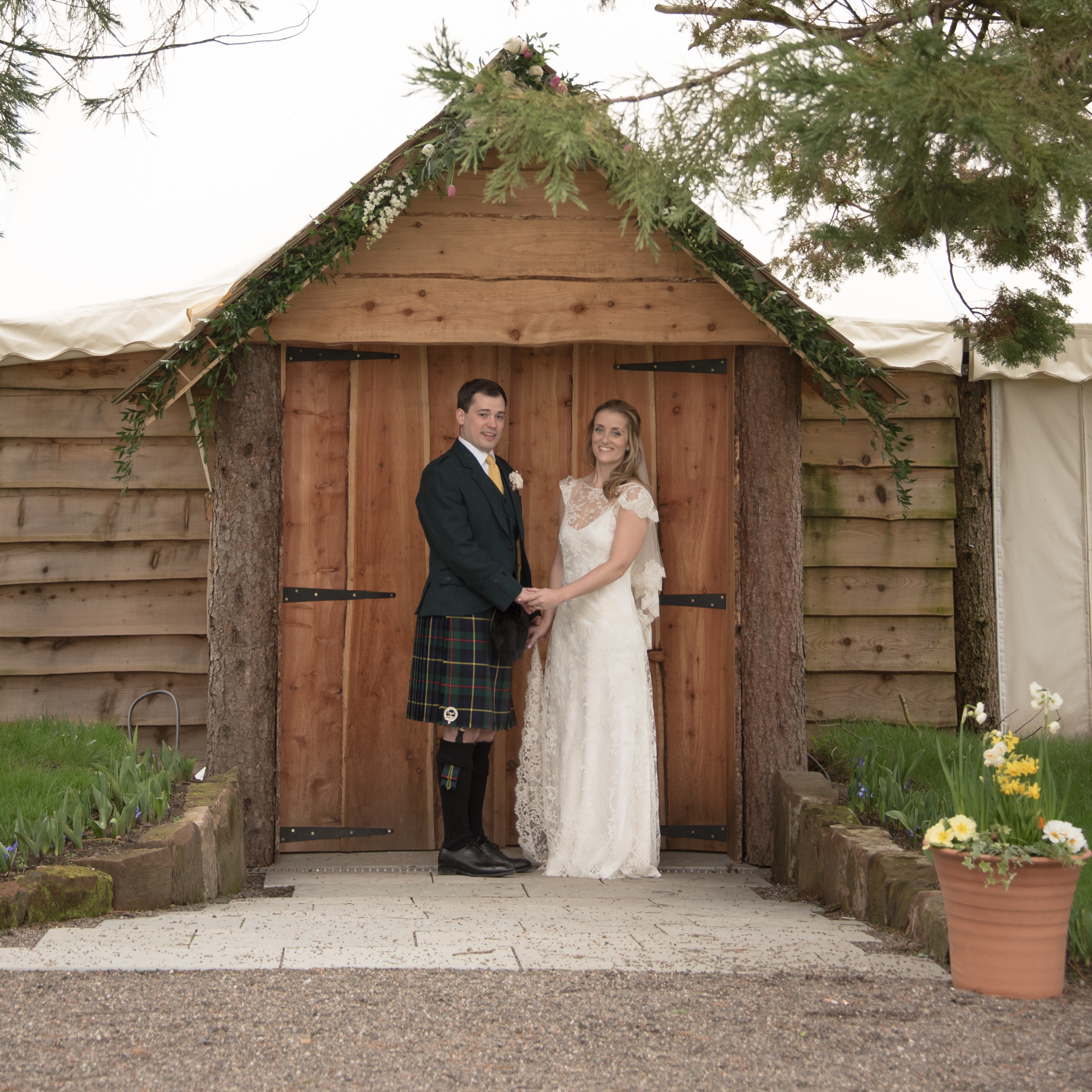 2016-04-02 SIONED AND NEIL FALKLAND MYRES CASTLE173603.jpg