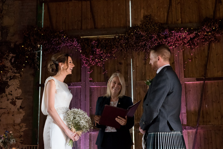 documentary-wedding-photographer-ceremony-pratis-001