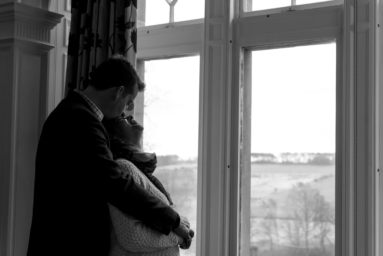 Family Photo Shoot In Dunfermline - couple bump photo_02