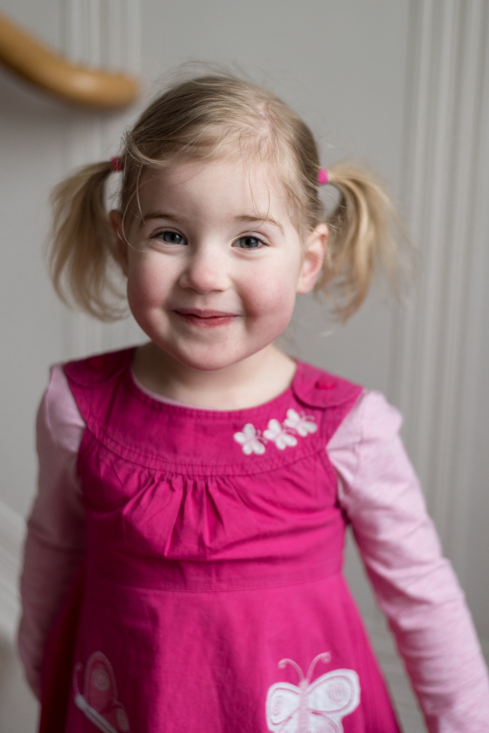 Family Photo Shoot In Dunfermline - childs portrait 02