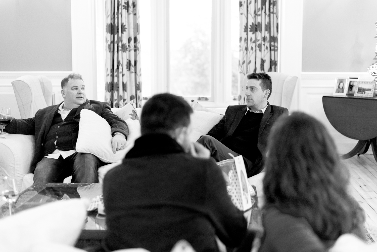 Family Photo Shoot In Dunfermline - couple on sofa at Balmule house 02