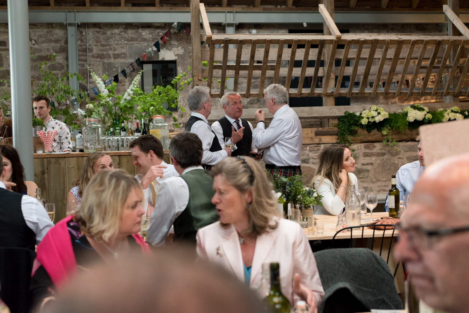 Guardswell Farm - wedding reception in the Cattle Court 02