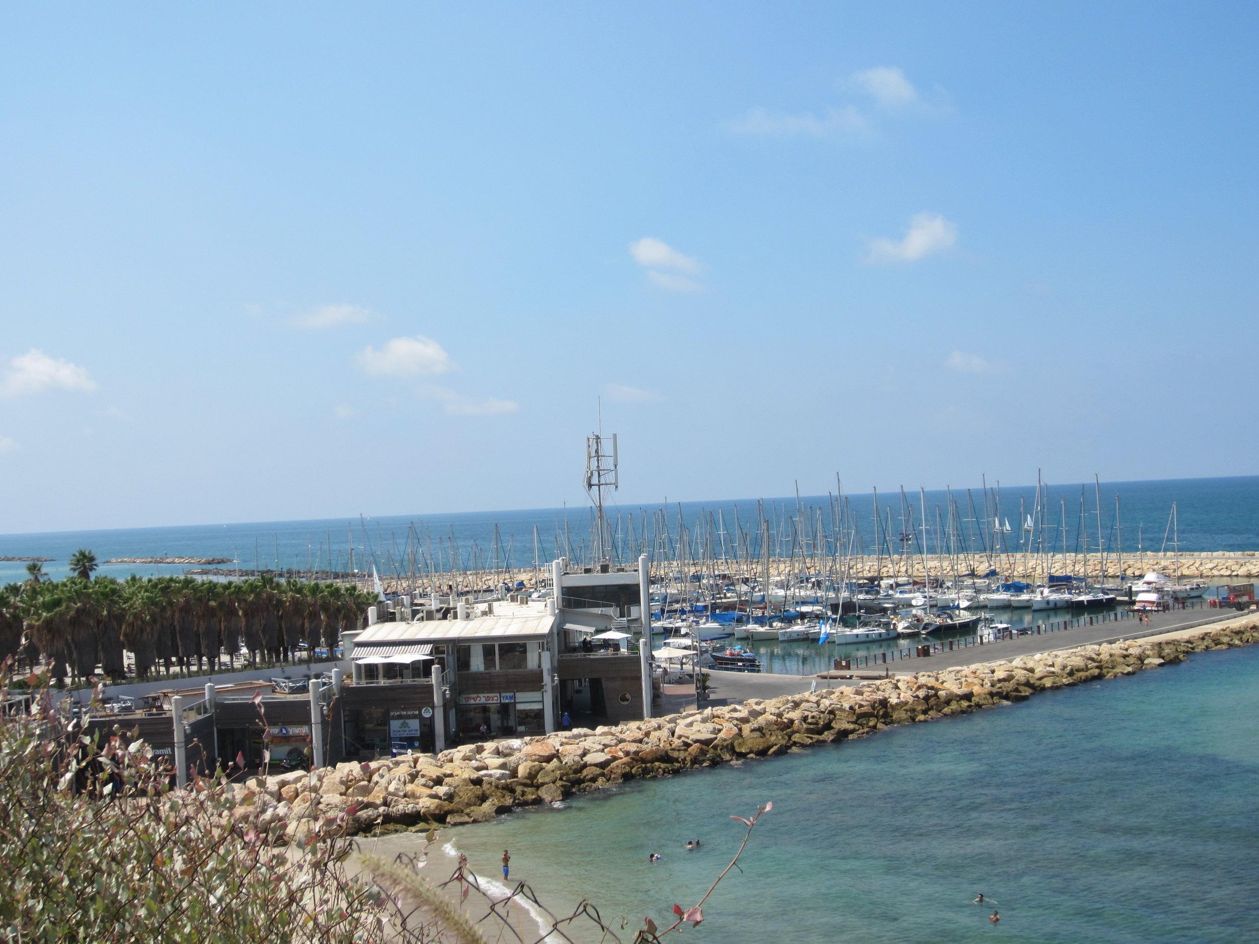 Tel Aviv port 2.JPG