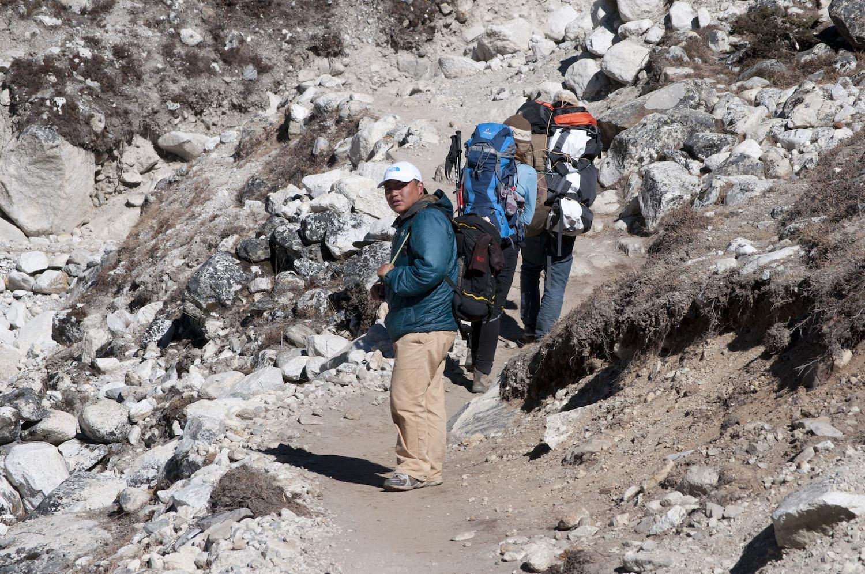 Ash Gurung, ✝ 18. April 2014