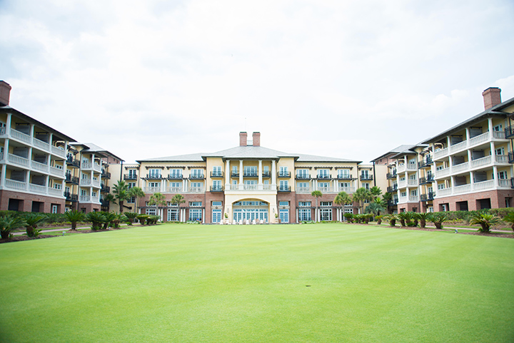 Dinner or drinks at the Sanctuary on Kiawah is one of the best ways to impress your guest.