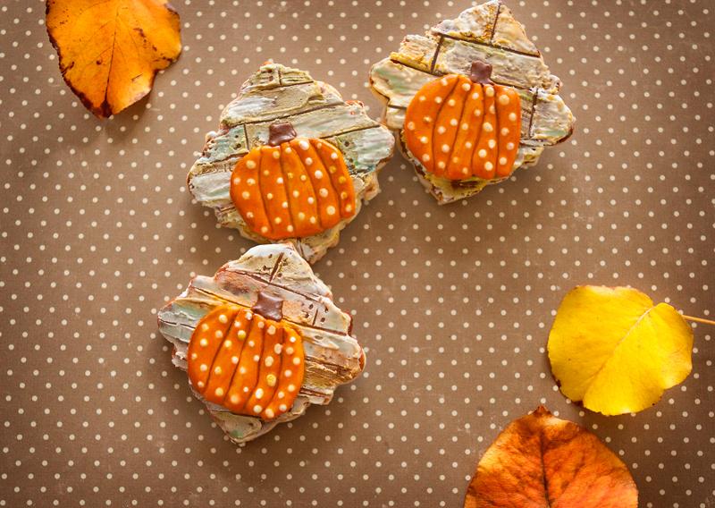 © Wood Plank Pumpkin Cookies