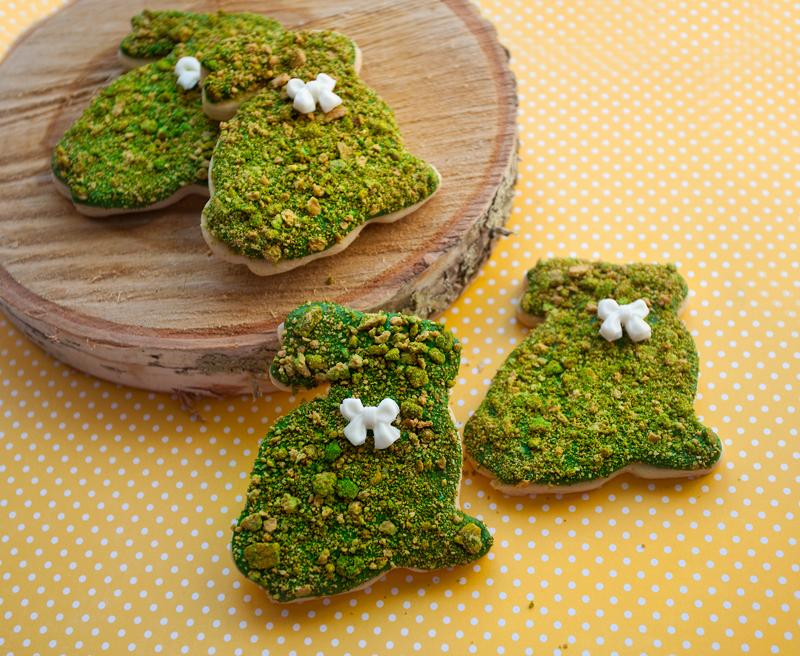 © Topiary bunny cookies