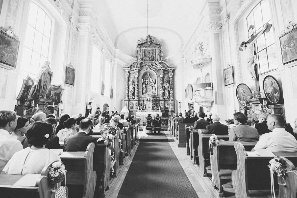 kapelle-kirche-hochzeitsfotograf-schloss-altenhof.jpg