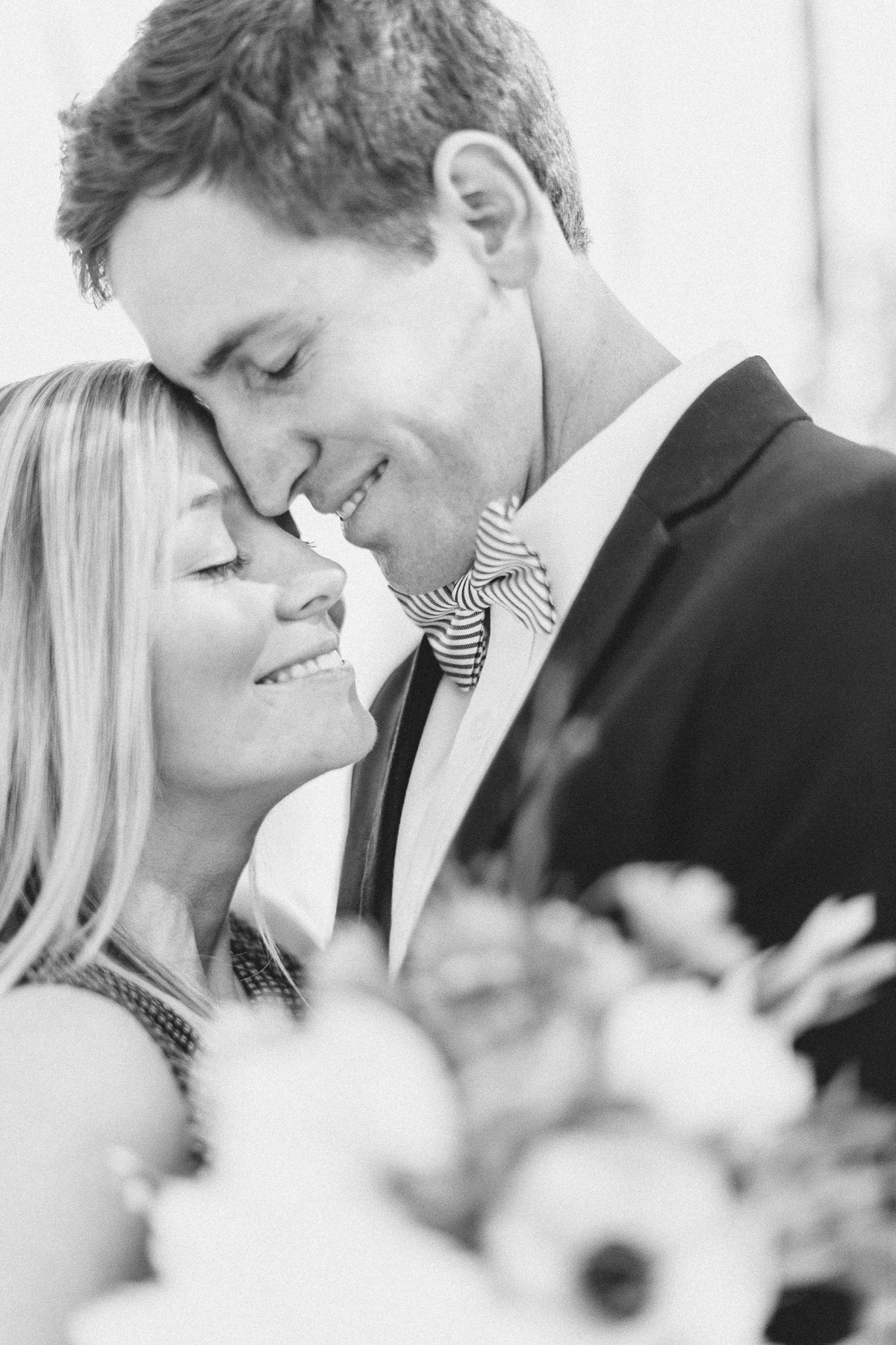 las_vegas-coupleshoot-brautpaar-paarshooting-blumen-hochzeit-wedding-marriage-hochzeitsfotograf-muenchen-luxembourg-trier-bw.jpg