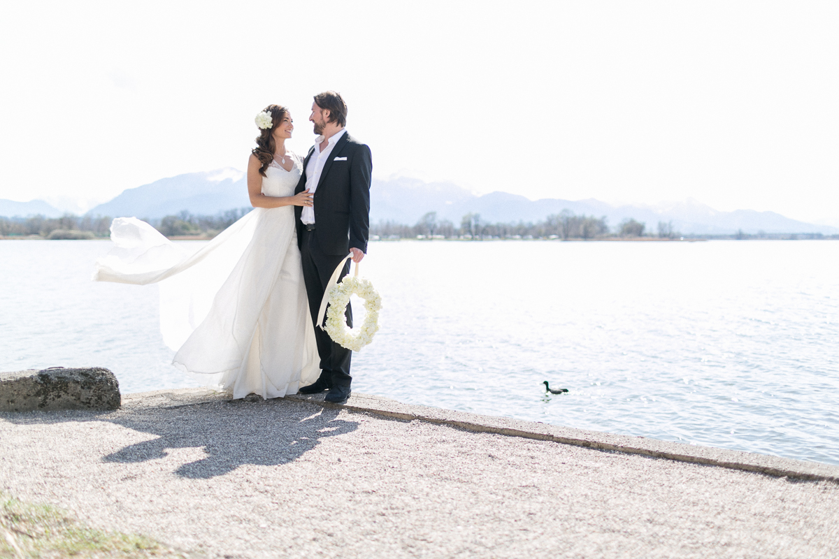 chiemsee-chiemgauhof-deko-blumen-hochzeit-wedding-marriage-hochzeitsfotograf-muenchen-luxembourg-trier-berge-alpen-bayern.jpg