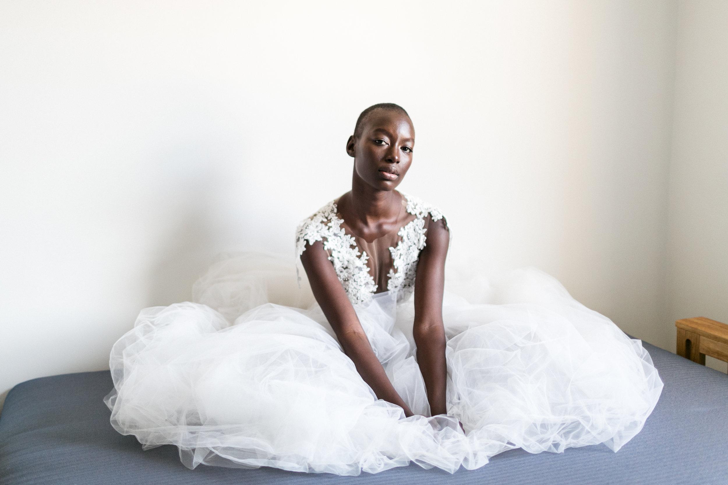 london-inspiration-braut-shooting-brautkleid-meghan-harry-deko-blumen-hochzeit-wedding-marriage-hochzeitsfotograf-muenchen-luxembourg-trier-dress.jpg