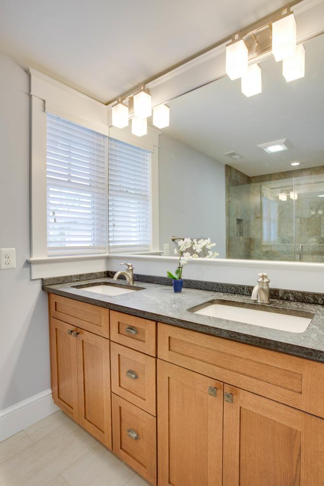 506 Russell Rd Alexandria VA-large-041-Bathroom-667x1000-72dpi.jpg