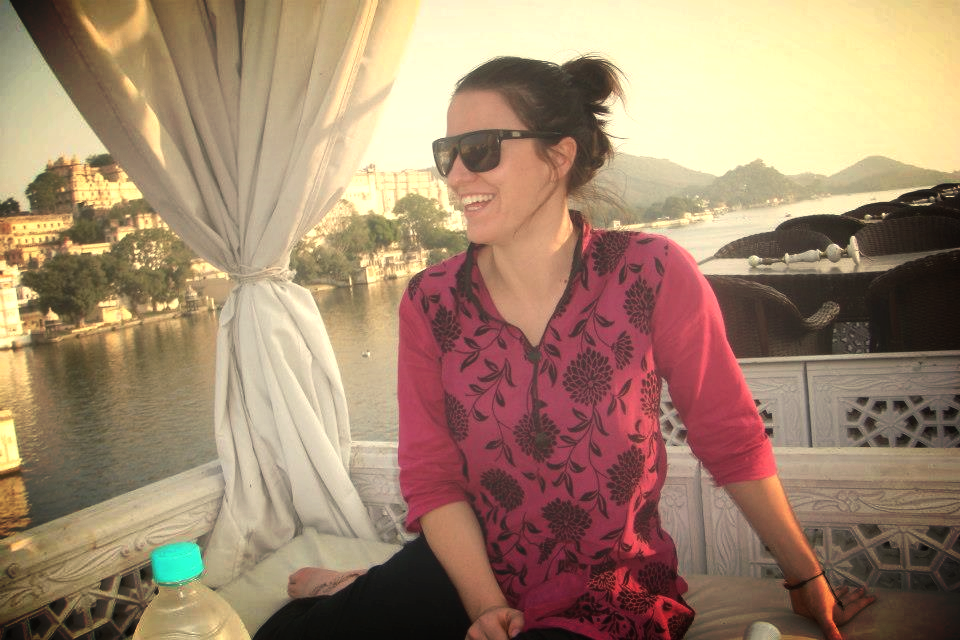 Sunnies and a Kurti - perfect combination for Rajasthan