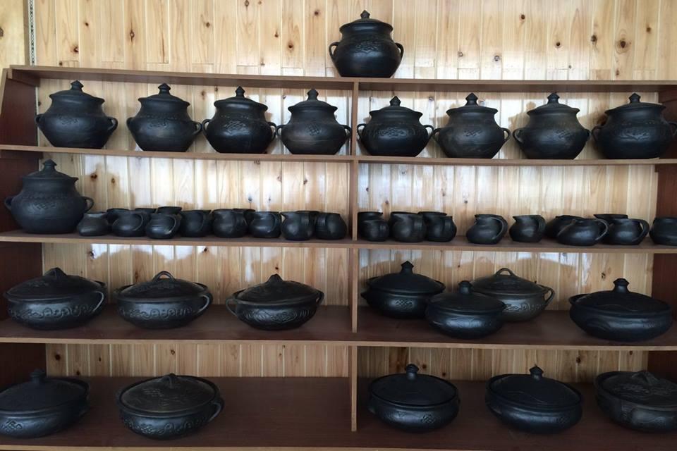 Blog_Black Pottery_8.jpg
