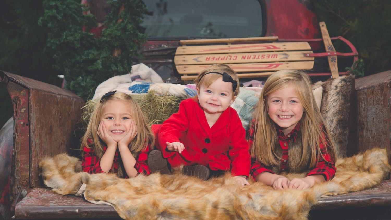 PORTRAITS - Family, Newborn, Engagement, Pets, Headshots