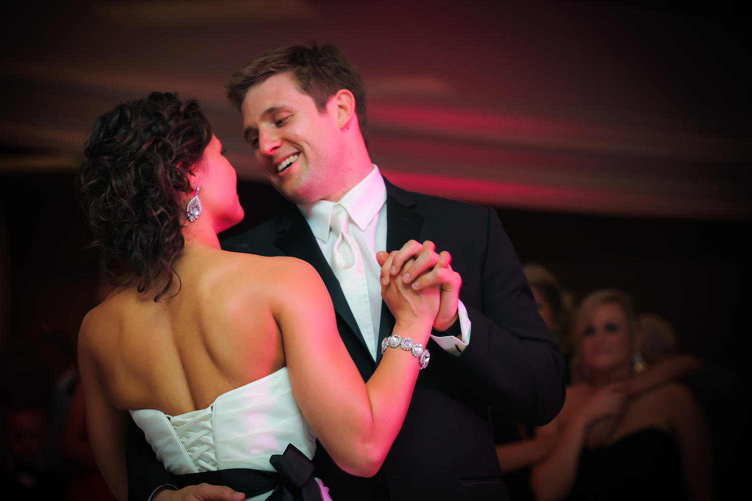 Red_Door_Photo_Des_Moines_Wedding_Photographers-200.jpg