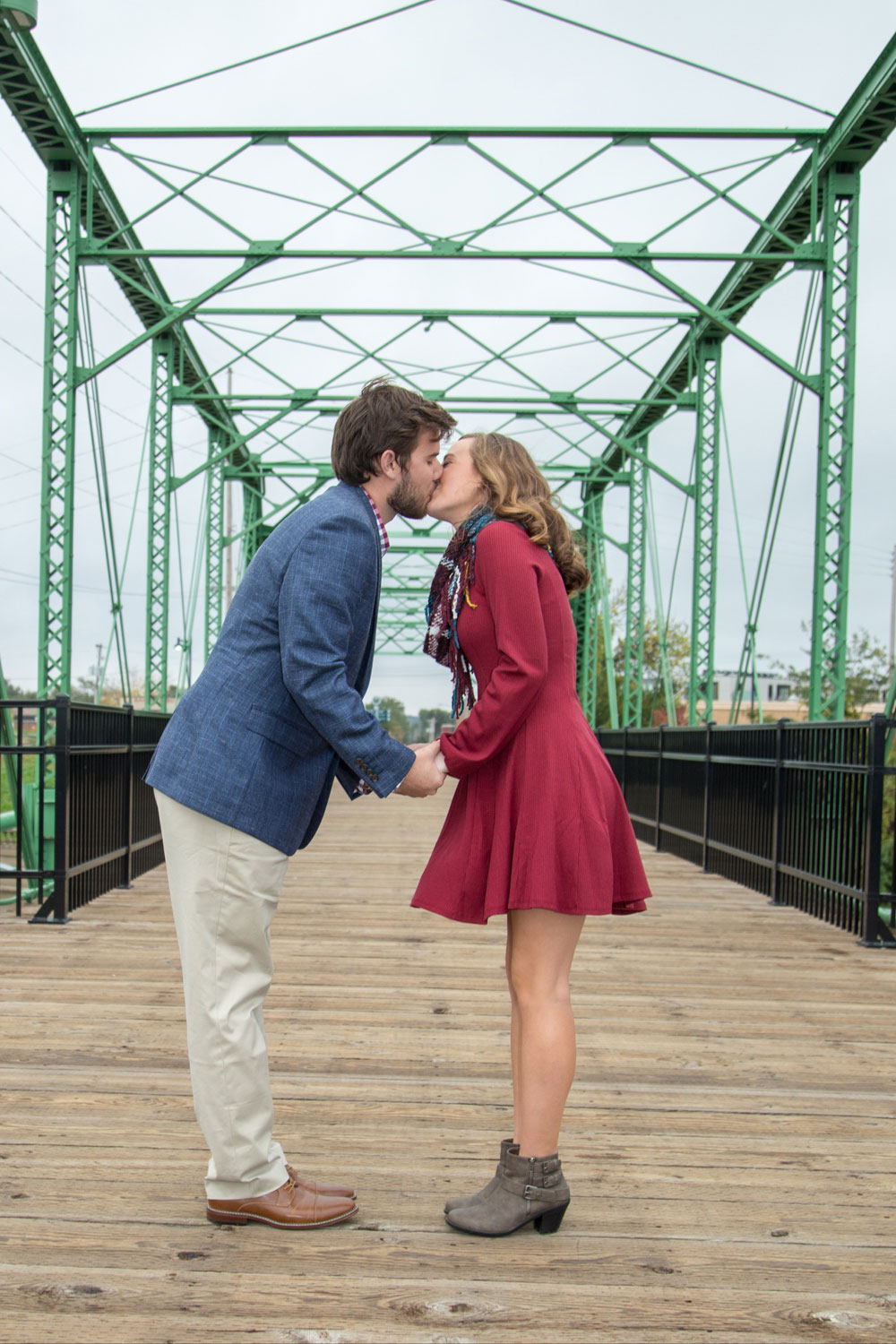 Engagement_Photo_Des_Moines-196.jpg