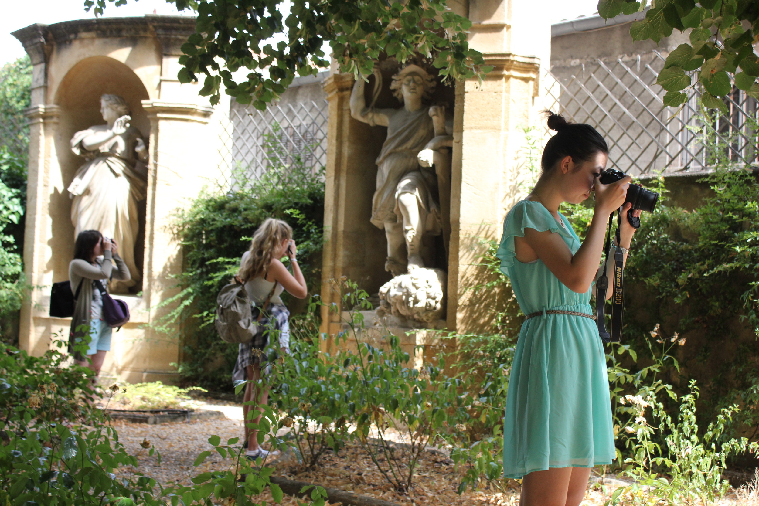 Photography students on an excursion to Aix en Provence