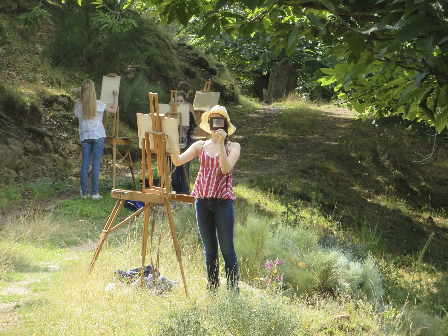 les tapies painting students working in the landscape