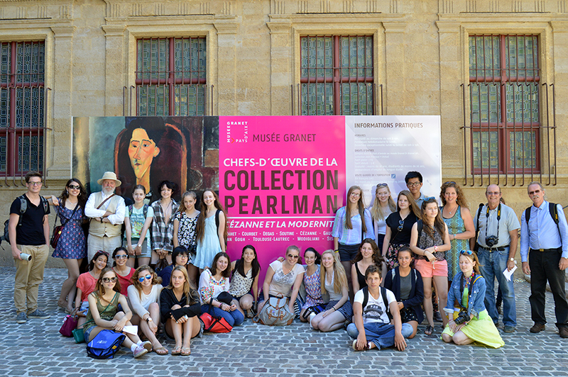museum visit to avignon, france with les tapies art students