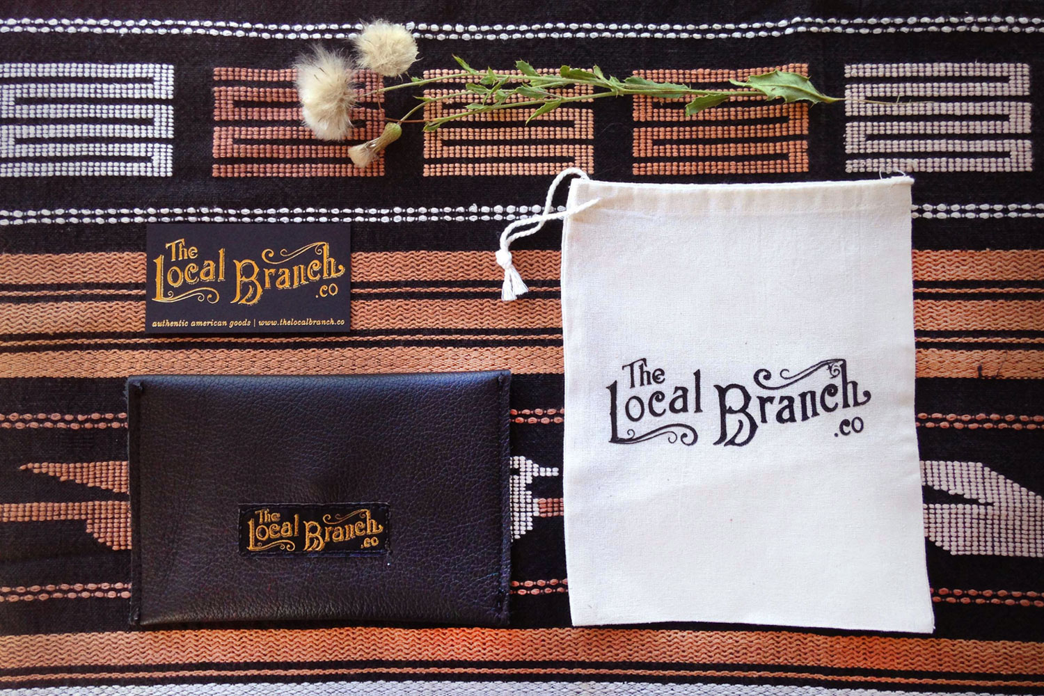 Hand-lettered-logo-by-Erin-Ellis_The-Local-Branch-2.jpg