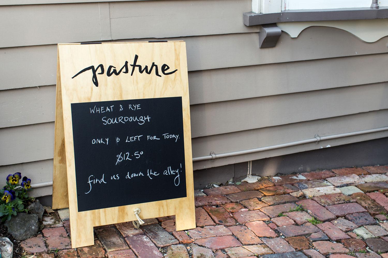 hand-lettered-logo-by-Erin-Ellis_Pasture-Restaurant-3.jpg